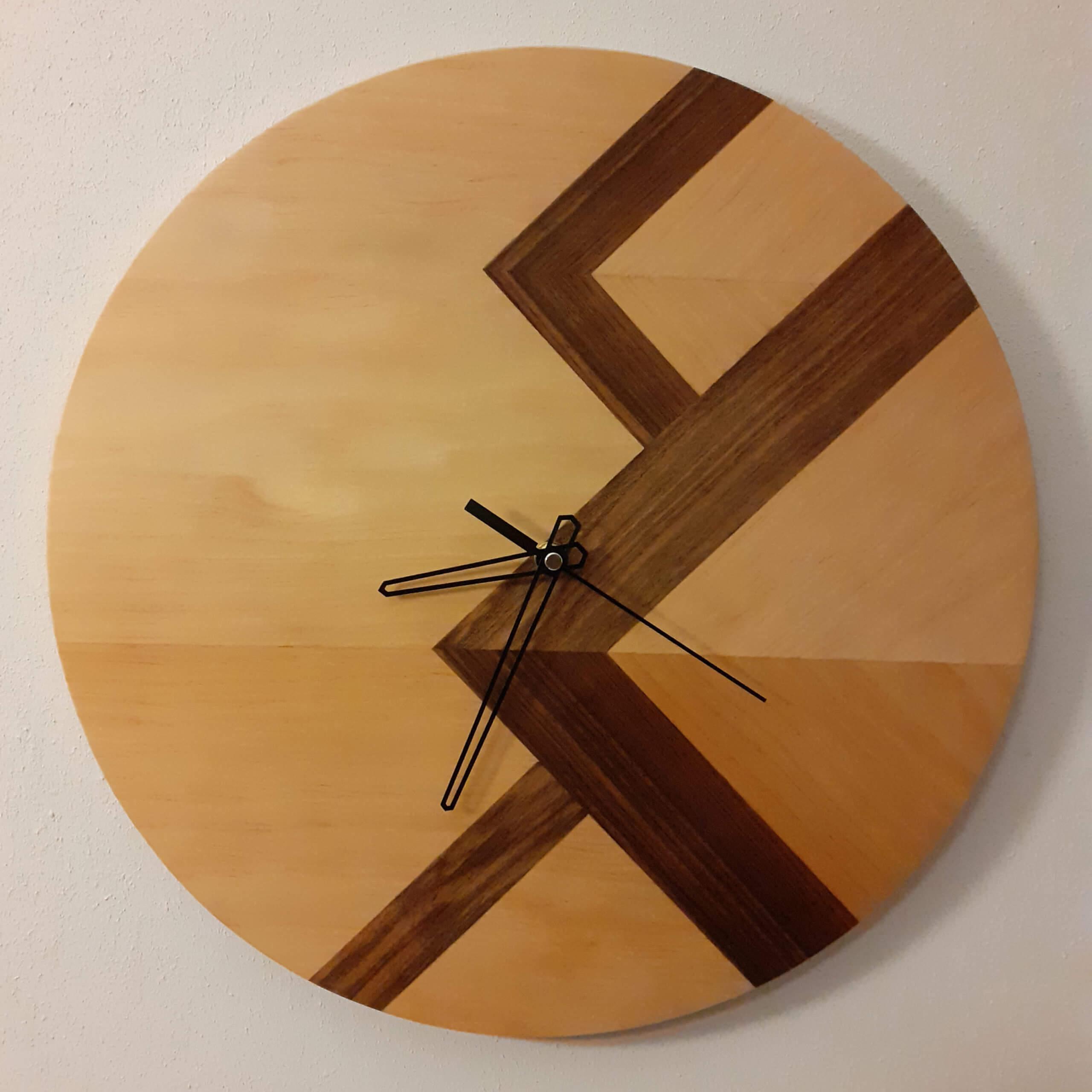 horloge marqueterie