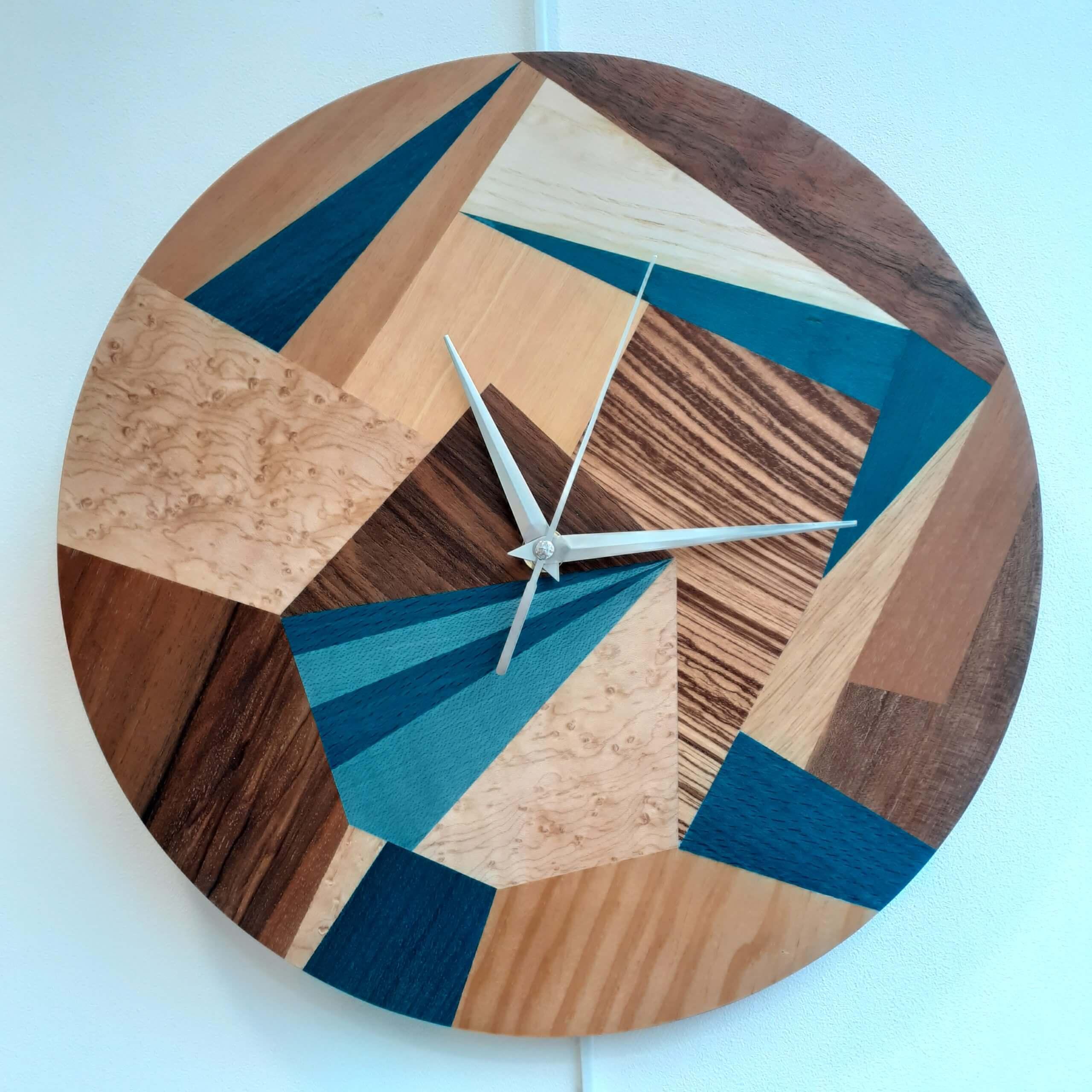 horloge patchwork marqueterie